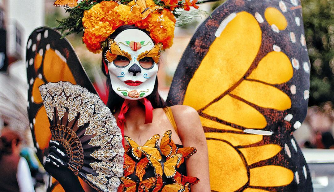 Lánzate al mágico y colorido Desfile de Catrinas en San Miguel de Allende ✨ 💀