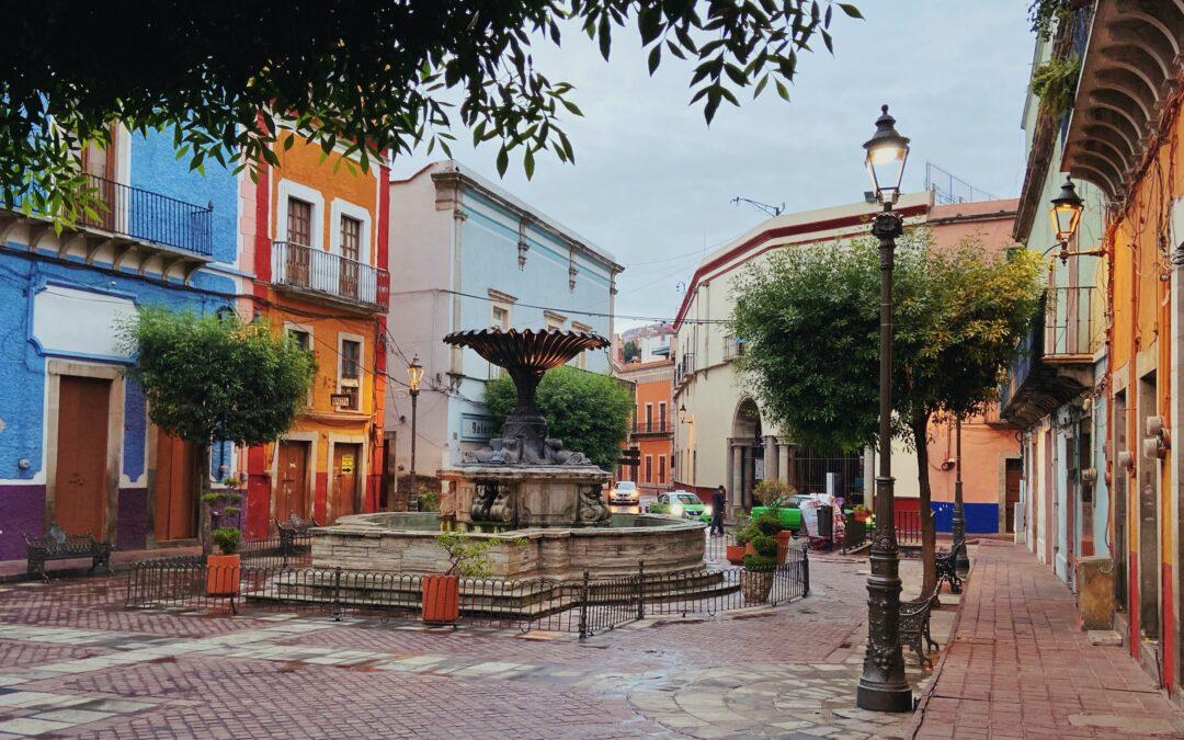 Una fantástica ruta por las coloridas plazuelas de Guanajuato capital 😍 🎨